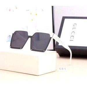 G&G White/Black Sunglasses NWT YS004
